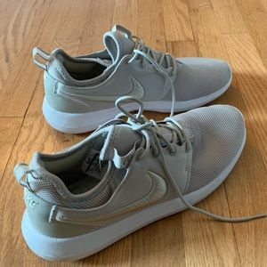 Women's Size 10 Nikes